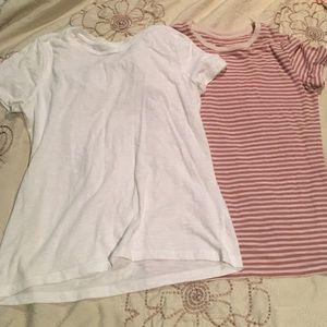Set of 2 mossimo T-shirts size M/L